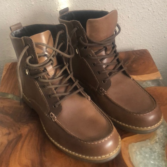 183552cd239 Men's gbx boots NWT